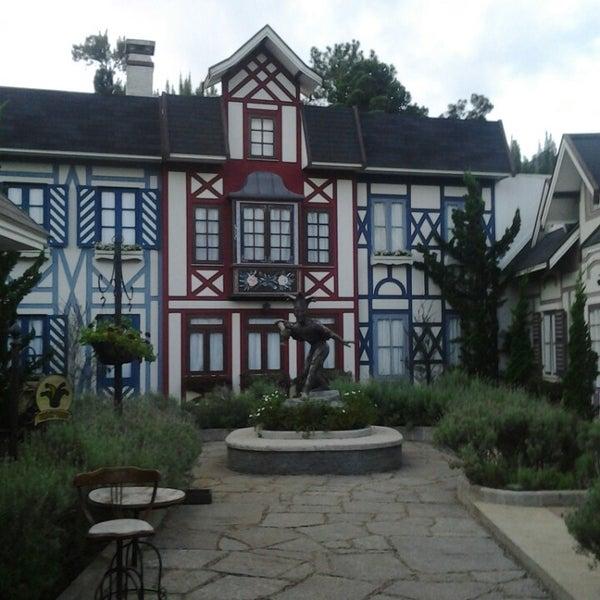 Foto tirada no(a) Vila St. Gallen por Suzenne K. em 3/24/2013