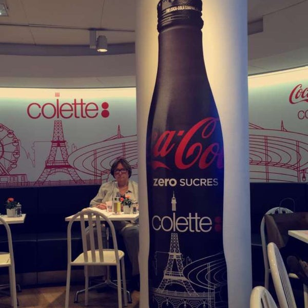 Photo taken at Water-Bar – Chez Colette by Иван К. on 7/8/2016