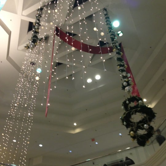 Photo taken at Woodfield Mall by Jessica M. on 12/15/2012