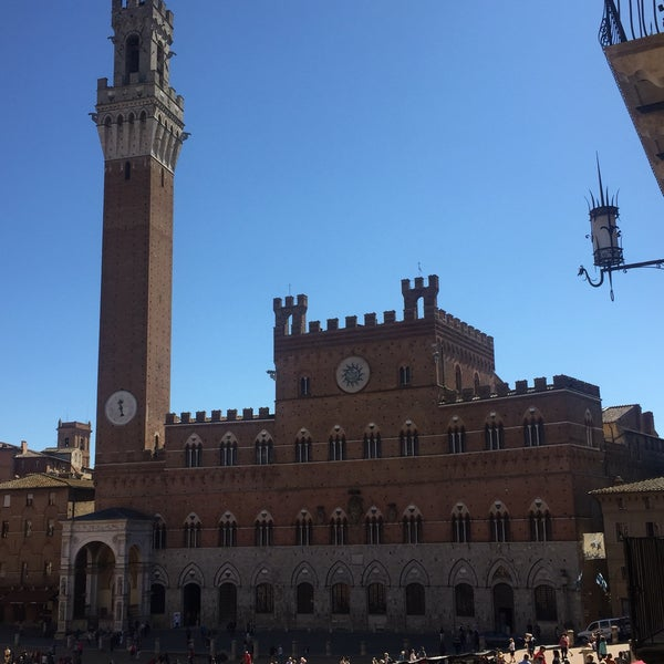 Photo taken at Siena by Gökhan Ü. on 9/21/2017