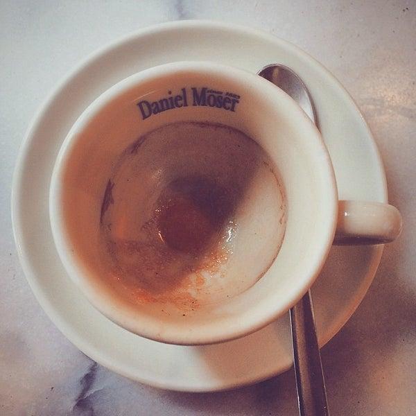 Das Foto wurde bei Café Daniel Moser von Rich C. am 6/19/2015 aufgenommen