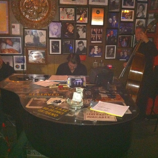 Photo taken at Arturo's Restaurant by Lucas M. on 10/19/2012