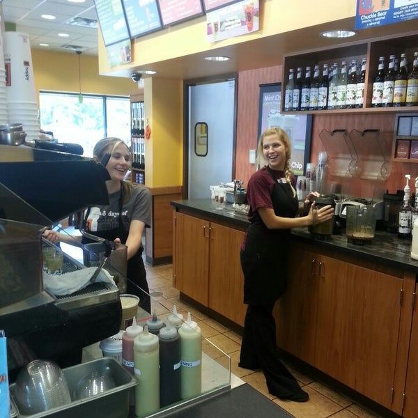 Photo taken at BIGGBY COFFEE by Heather H. on 7/17/2013