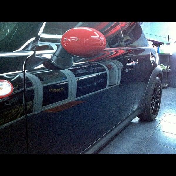 10/5/2013 tarihinde Faruk K.ziyaretçi tarafından F&F Car Clean'de çekilen fotoğraf