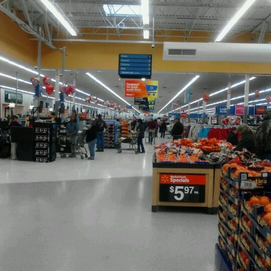 Photo taken at Walmart Supercenter by Stephen F. on 2/8/2013