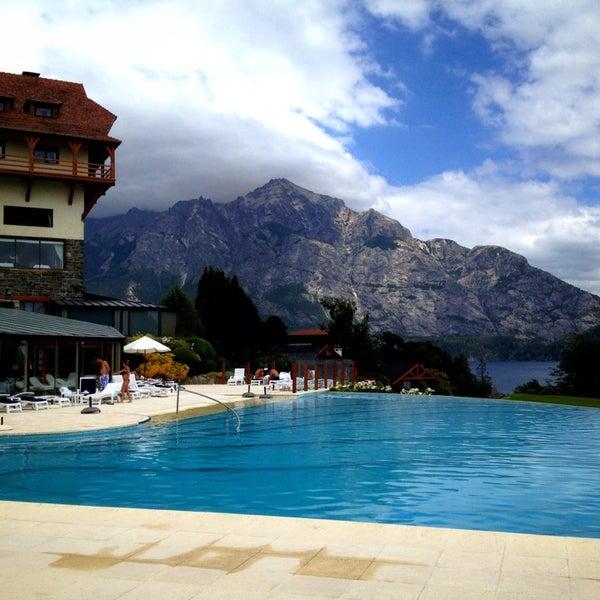 รูปภาพถ่ายที่ Llao Llao Hotel & Resort โดย Jesús M. E. เมื่อ 1/20/2013