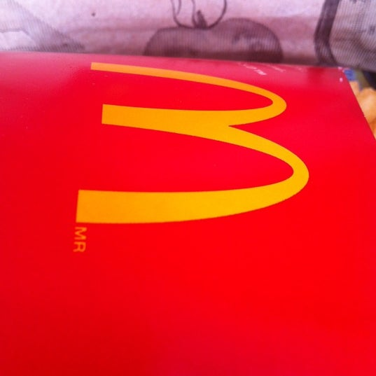 Photo taken at McDonald's by Juninho O. on 12/14/2012
