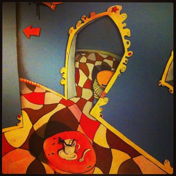 1/23/2013 tarihinde Senda L.ziyaretçi tarafından Café con Libros'de çekilen fotoğraf