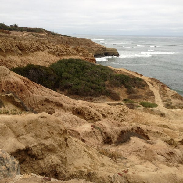 Foto tirada no(a) Sunset Cliffs Natural Park por Daisy E. em 6/9/2013