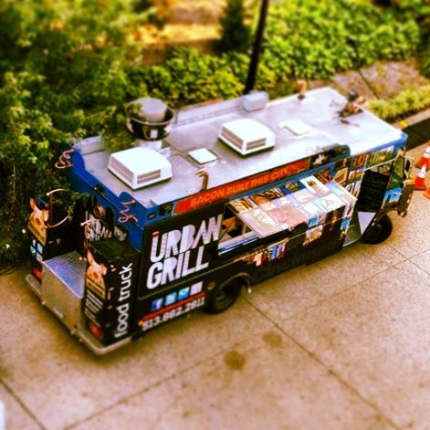 Photo taken at Urban Grill Food Truck by Urban Grill Food Truck on 9/26/2013