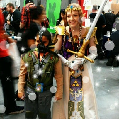 Photo taken at New York Comic Con 2012 by Vicki Y. on 10/14/2012