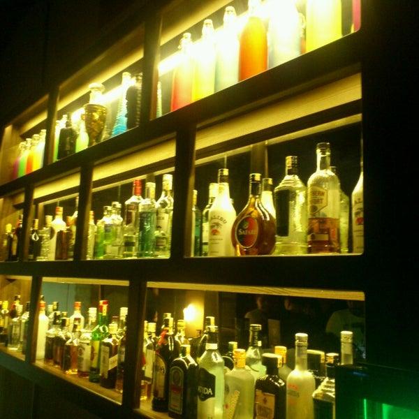 4/6/2013 tarihinde Ender Çağlar Ö.ziyaretçi tarafından Up Shot Bar'de çekilen fotoğraf