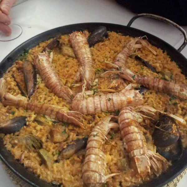 Foto tomada en Restaurant Balandra por Carme R. el 2/26/2013
