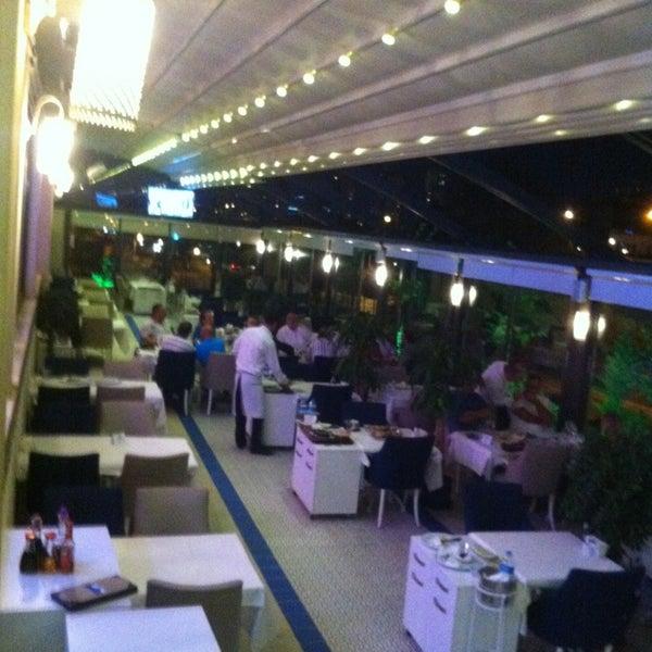 7/22/2013 tarihinde Yüksel E.ziyaretçi tarafından Foça Fish Gourmet'de çekilen fotoğraf