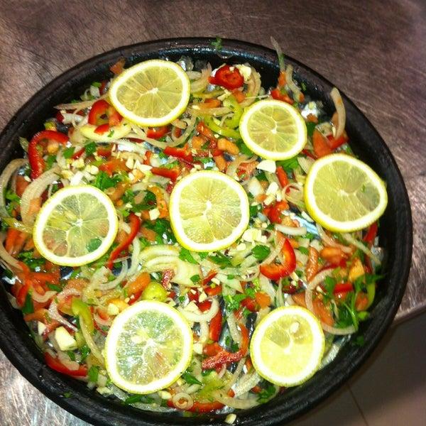 1/21/2013 tarihinde Engin T.ziyaretçi tarafından Foça Fish Gourmet'de çekilen fotoğraf