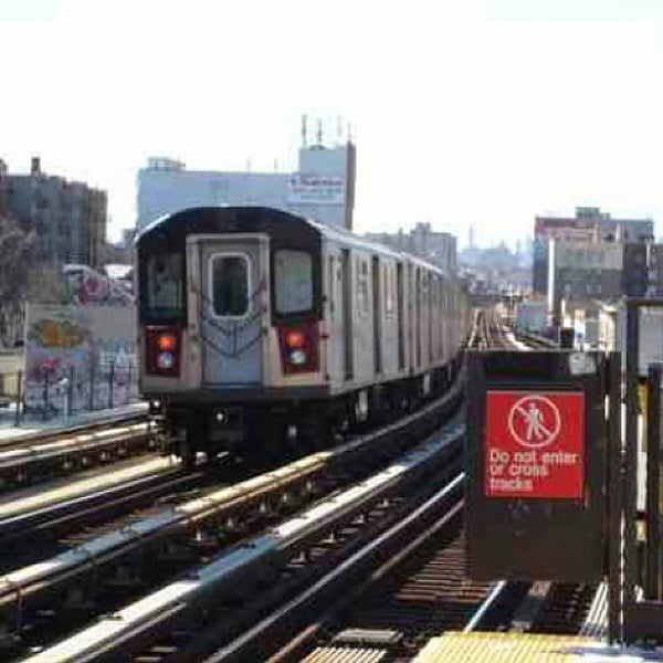 Photo taken at MTA Subway - Fordham Rd (4) by Paul S. on 11/16/2014