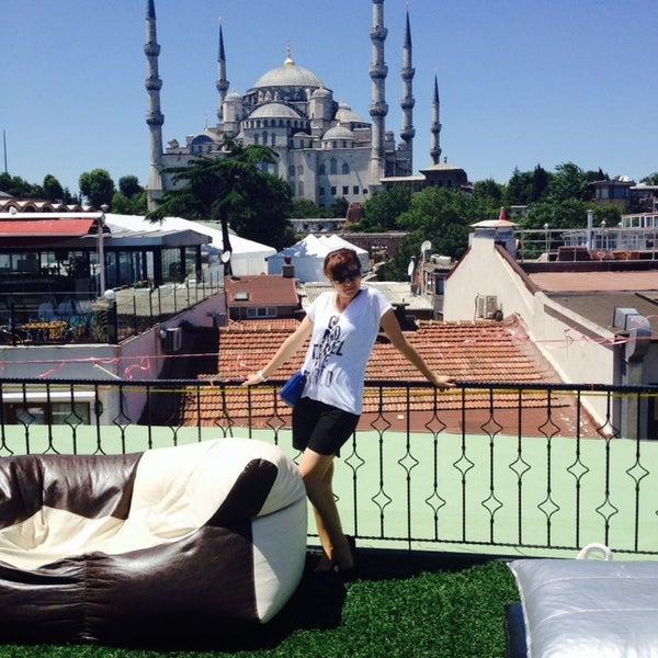 7/3/2014 tarihinde Yelena S.ziyaretçi tarafından Angel's Home Hotel'de çekilen fotoğraf