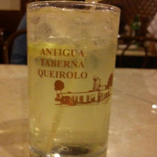 Foto tomada en Antigua Taberna Queirolo por José E. el 2/10/2013