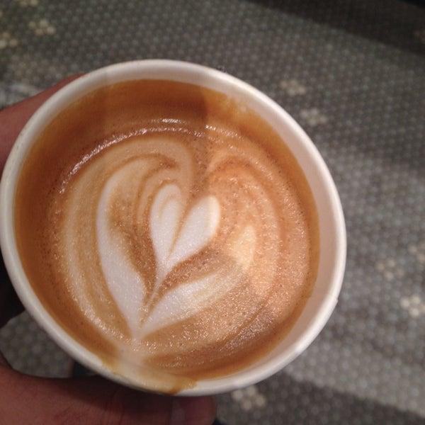 Foto scattata a Toby's Estate Coffee da Matt G. il 11/25/2013