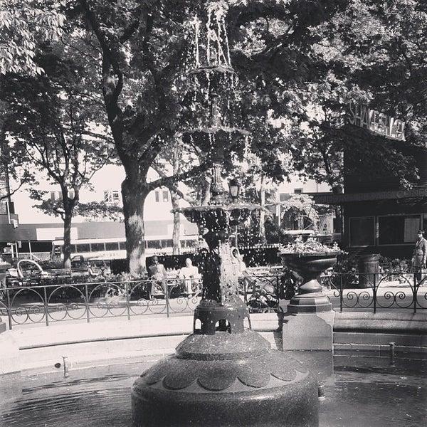 Foto diambil di Madison Square Park oleh sam r. pada 5/14/2013
