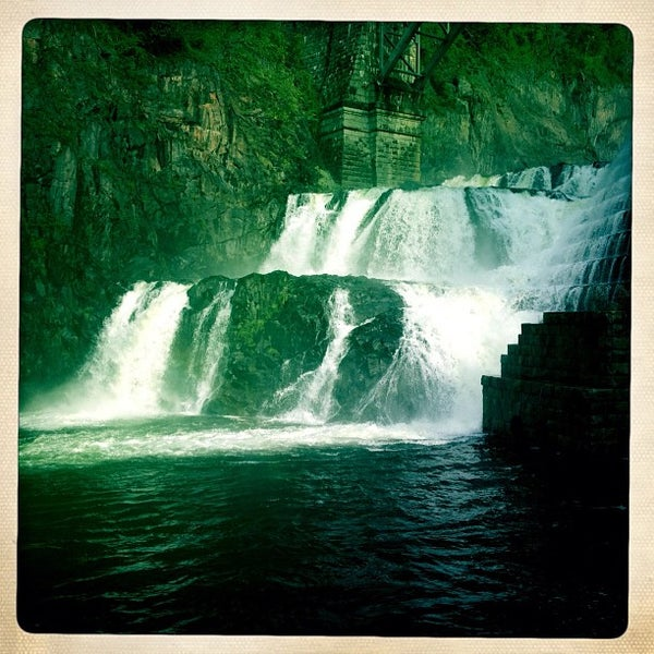 Photo taken at Croton Gorge Park by Ricky F. on 10/6/2012