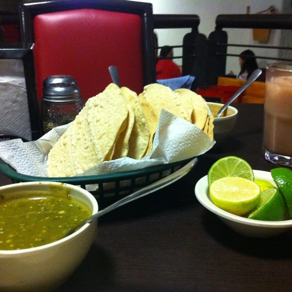 Photo taken at Pozole y Tacos Regios by Monny R. on 2/11/2013
