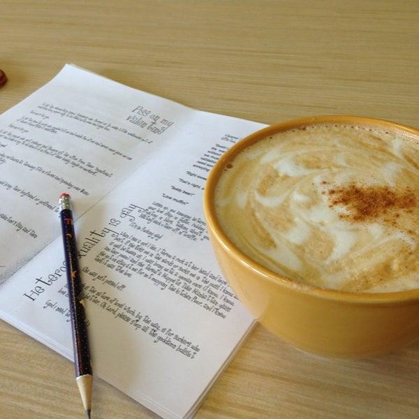 Photo taken at Accelerando Coffee House by Vaibhav V. on 3/13/2013