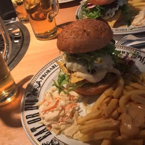 Das Foto wurde bei The Pub Berlin von Achim H. am 5/8/2017 aufgenommen