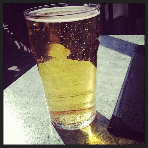 Foto tomada en Hurley's Irish Pub por Jenny K. el 5/1/2013
