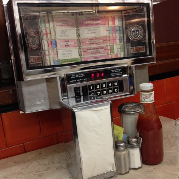 Photo taken at Tastee Diner by Itinerant T. on 9/23/2013