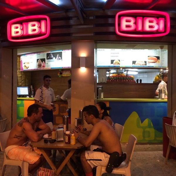 Photo taken at Bibi Sucos by Lia C. on 4/17/2014