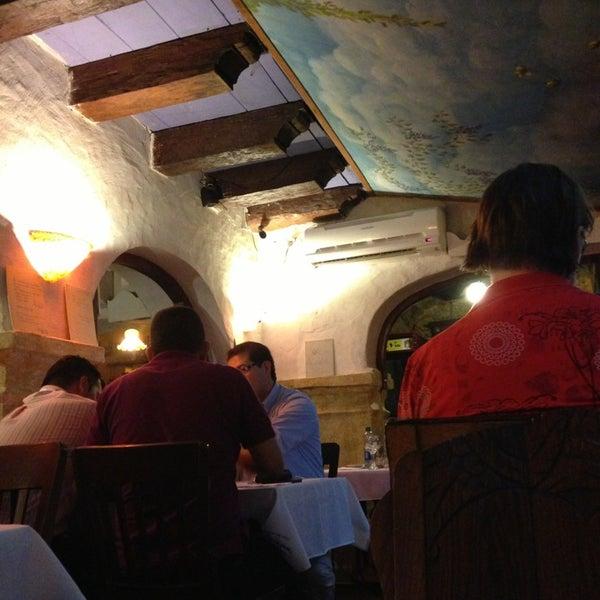 Foto tomada en Donde Olano Restaurante por Alejandro R. el 2/14/2013