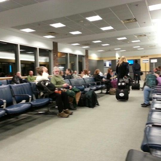 Foto tomada en Burlington International Airport (BTV) por Greg J. el 1/16/2013