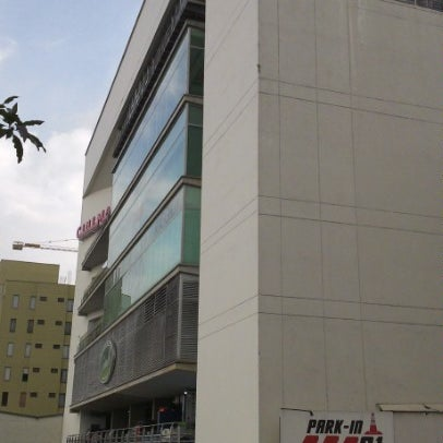 Photo taken at Centro Comercial Cable Plaza by Flirck S. on 12/20/2012