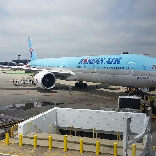 Photo taken at Korean Air Lounge by Johnny K. on 6/26/2014