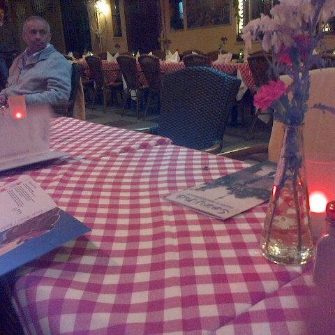 1/20/2013 tarihinde Emre K.ziyaretçi tarafından Cozy Bar&Restaurant'de çekilen fotoğraf