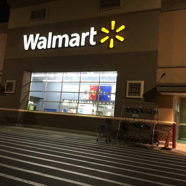 Das Foto wurde bei Walmart von Teesha F. am 5/28/2016 aufgenommen