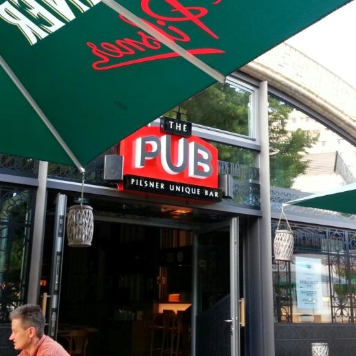 Das Foto wurde bei The Pub Berlin von Splintered ✴ am 6/19/2013 aufgenommen