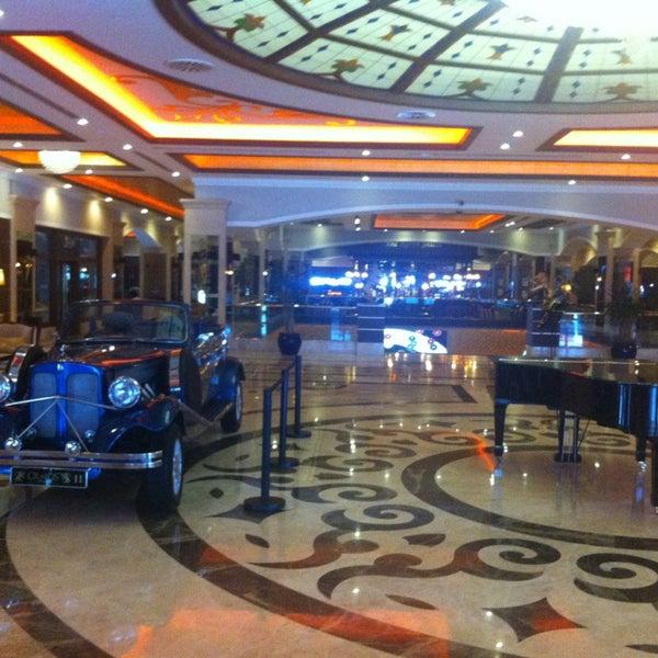 3/1/2013 tarihinde Ayhan A.ziyaretçi tarafından Cratos Premium Hotel & Casino'de çekilen fotoğraf