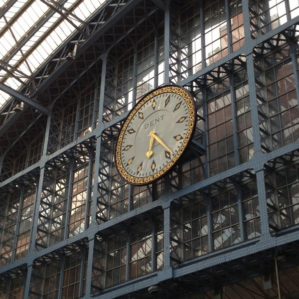 Photo taken at London St Pancras International Railway Station (STP) by euroner g. on 7/26/2013