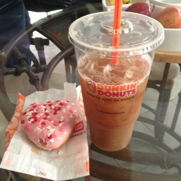 Photo taken at Dunkin Donuts by Jules B. on 2/14/2013
