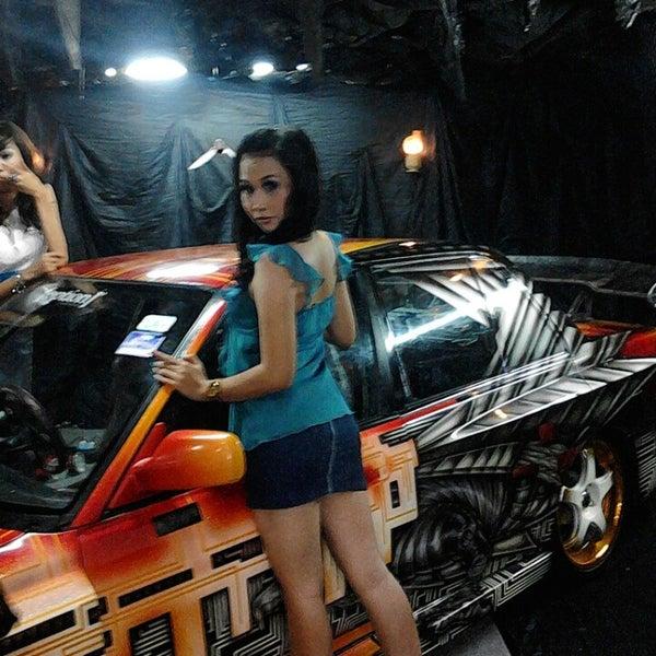 Das Foto wurde bei Jogja Expo Center (JEC) von Aditya S. am 4/21/2013 aufgenommen