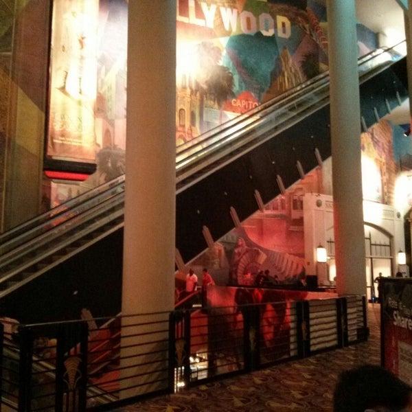 Снимок сделан в AMC Loews Lincoln Square 13 пользователем Cass C. 6/1/2013