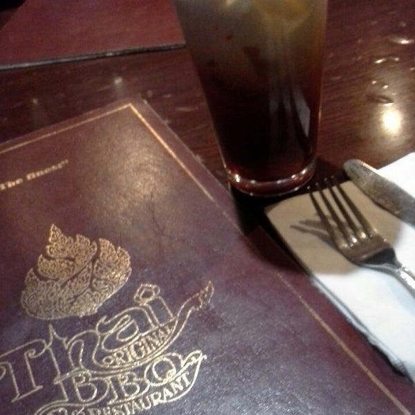 รูปภาพถ่ายที่ Thai Original BBQ & Restaurant โดย Flor M. เมื่อ 6/25/2013
