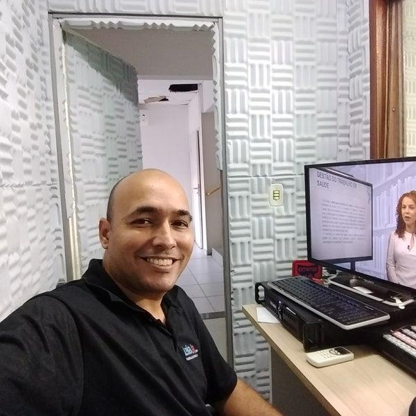 Foto diambil di UNINASSAU - Centro Universitário Maurício de Nassau oleh Fábio C. pada 8/15/2017