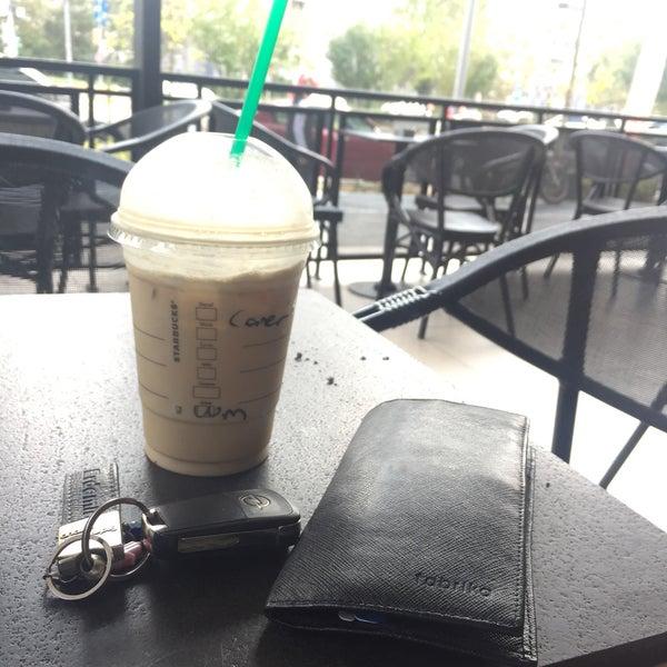 Снимок сделан в Starbucks пользователем Caner Ş. 9/5/2018