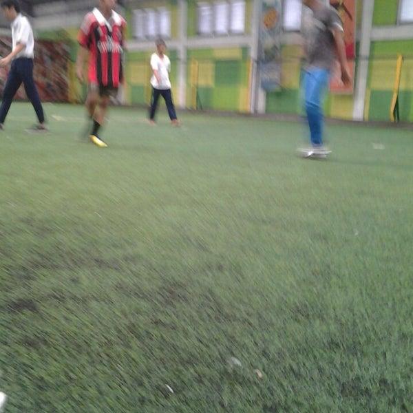 Foto tomada en Planet Futsal por Daniel Stefan S. el 5/17/2013
