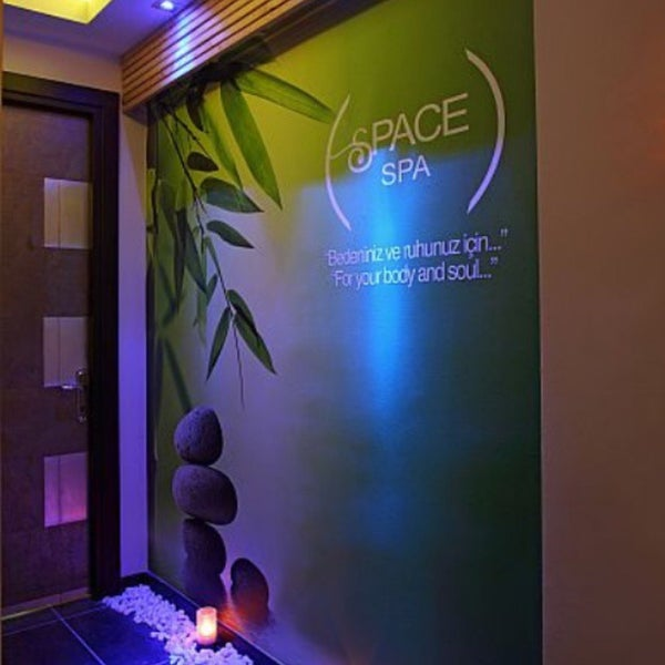 Photo prise au Space Day Spa par Deniz Ç. le11/11/2017