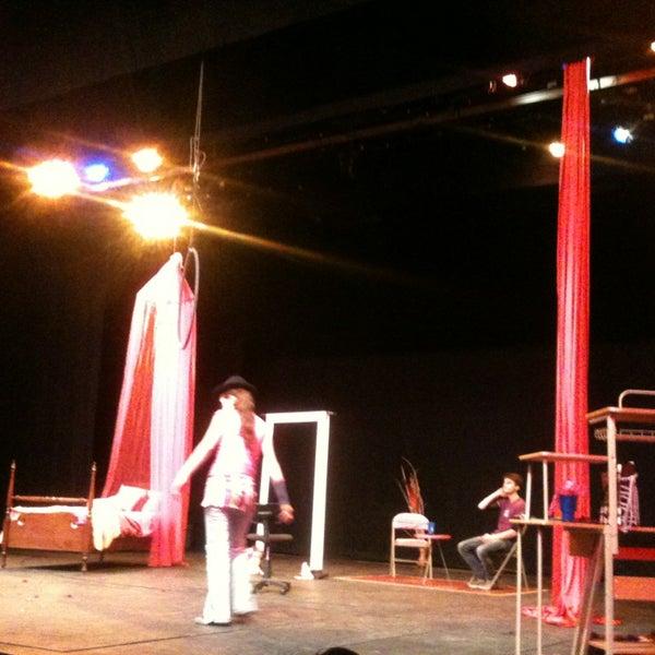 Foto tomada en Teatro Hidalgo por Annie O. el 3/9/2013
