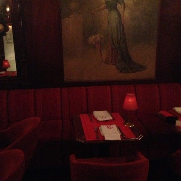 12/30/2012 tarihinde Rui V.ziyaretçi tarafından Café de São Bento'de çekilen fotoğraf